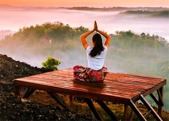 Benefits of Yoga in Hindi